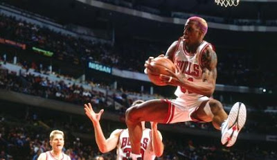 teknik rebound yang baik, bola basket, rebound, nba, tips rebound bola basket, latihan rebound, Chicago Bulls, dennis rodman, offensive rebound, defensive rebound