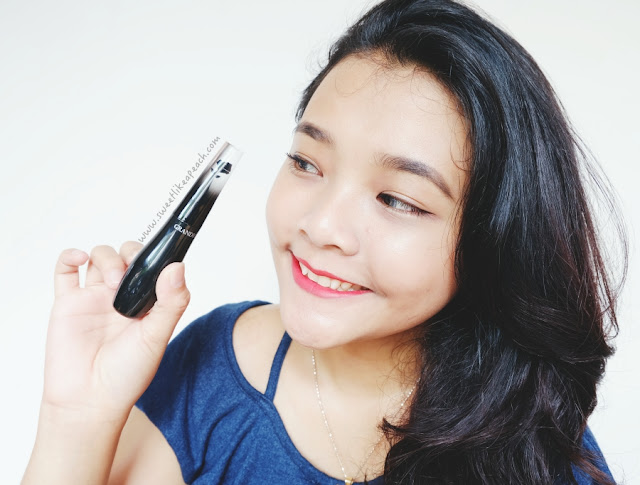 Indonesian beauty blogger Ririe Prameswari using Lancome Grandiose Mascara