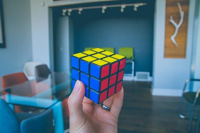 Cepat & Mudah! Inilah Cara Bermain Rubik Untuk Pemula