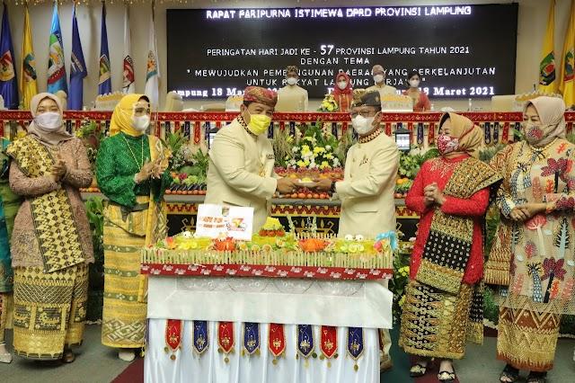 DPRD Adakan Rapat Paripurna Istimewa Peringatan HUT Ke-57 Dan Dihadiri Oleh Gubernur Arinal