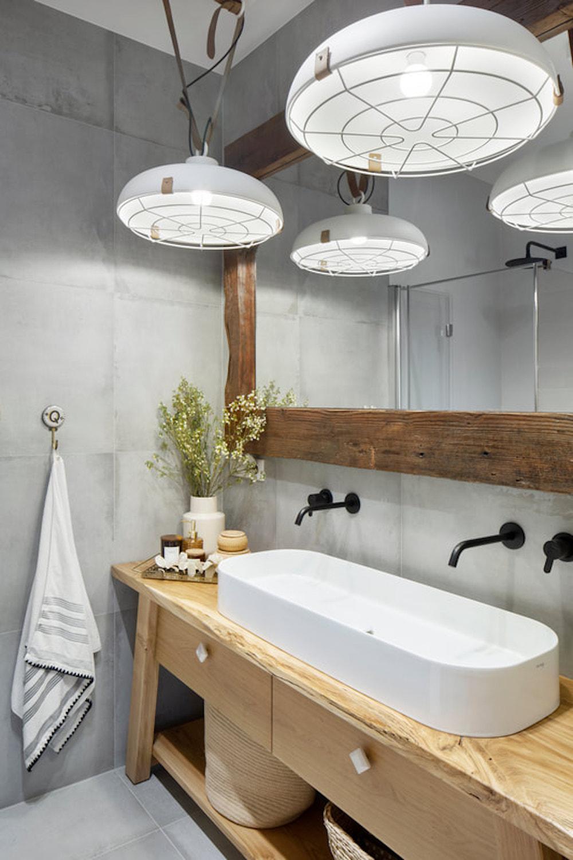 Baño de estilo rústico industrial