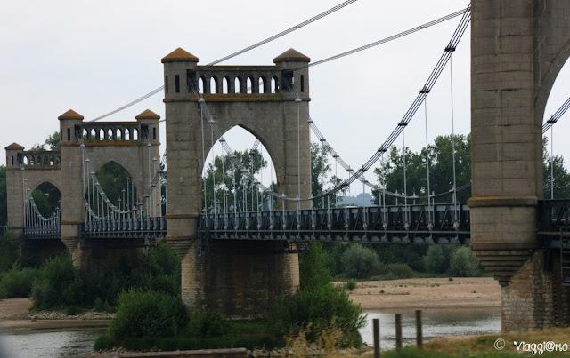Uno dei caratteristici ponti che attraversano la Loira