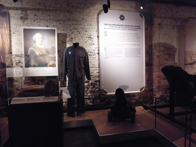 Ropa de los prisioneros en la Fortaleza de Suomenlinna (Museo de Suomenlinna) (Helsinki) (@mibaulviajero)