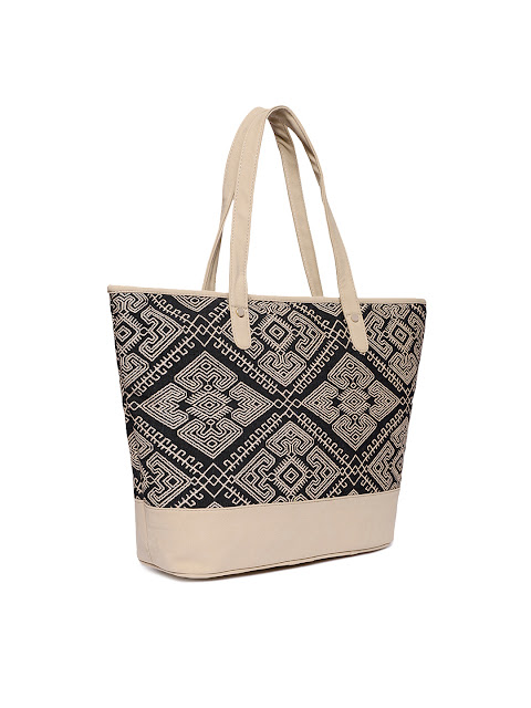 Shopping, Style and Us: India's Top Shopping and Self-Help Blog - BUY KANVAS KATHA SELF DESIGNED TOTE BAG