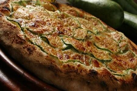 Receita: Pizza de atum e abobrinha