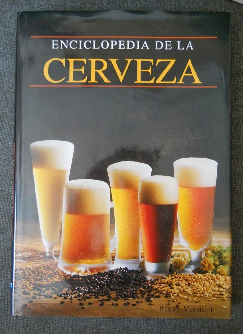libro titulado enciclopedia de la cerveza