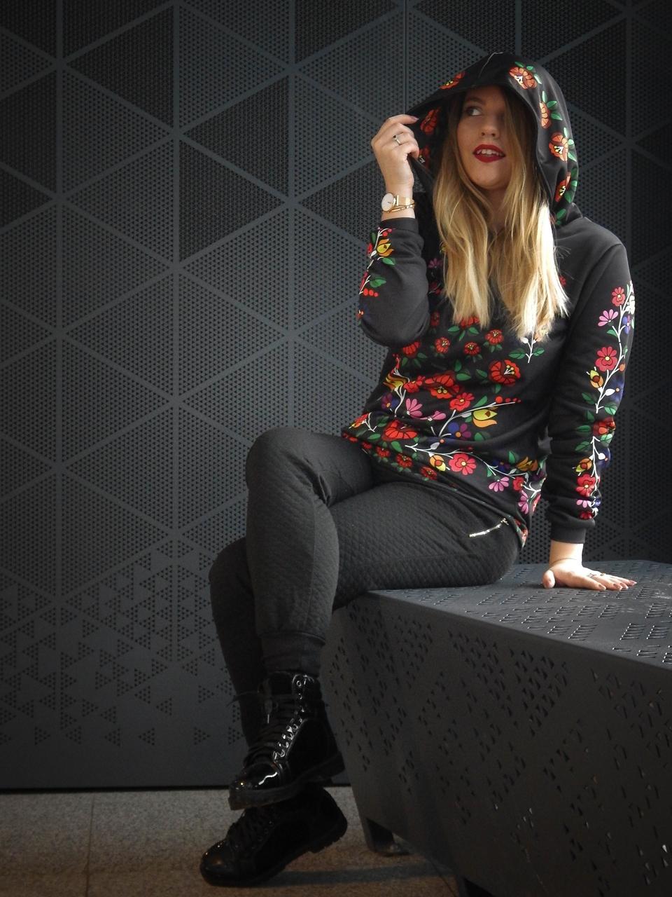 f6-2 folk by koko recenzja opinie ubrania folkowe łowickie motywy bluza góralska sukienka kodra łowicka folkowe ubrania moda ludowa pomysł na prezent fashion blog melodylaniella łódź dworzec łódź fabryczna