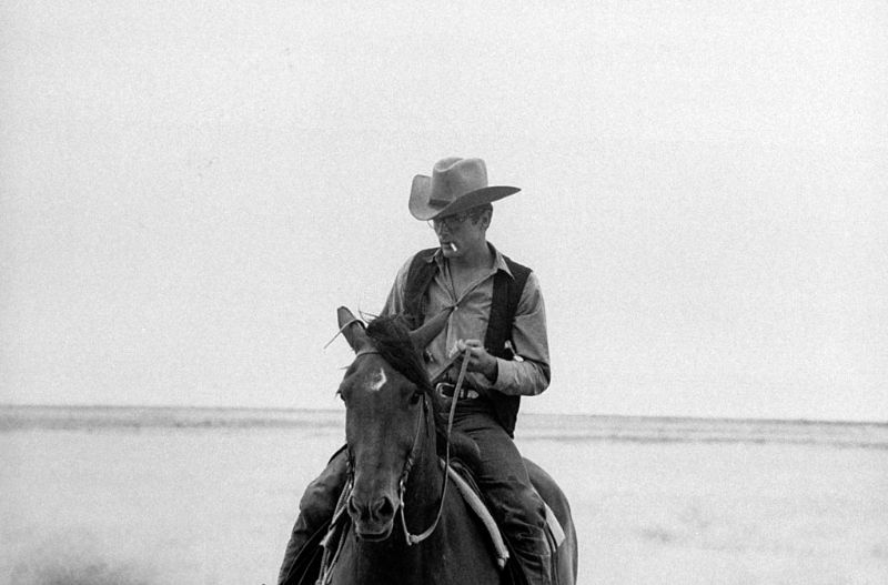 20 Vintage Photos of James Dean on the Set of 'Giant' in 1955
