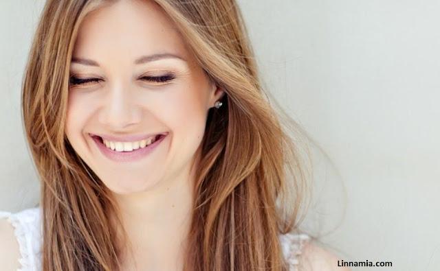 cara menghilangkan smile line garis kerut senyum menyamarkan kerutan kerutan di wajah