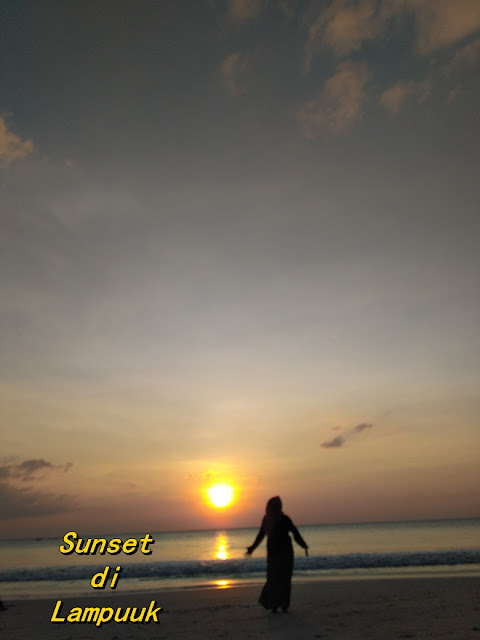 sunset di lampuuk aceh