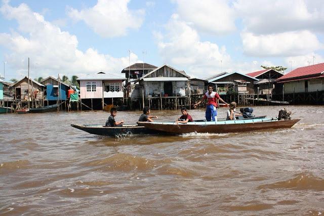 Wisata Tepian Sungai Mahakam