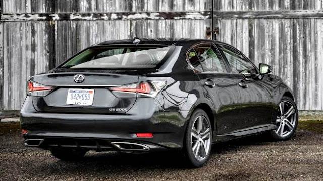 Lexus GS200t 2017 negro trasera