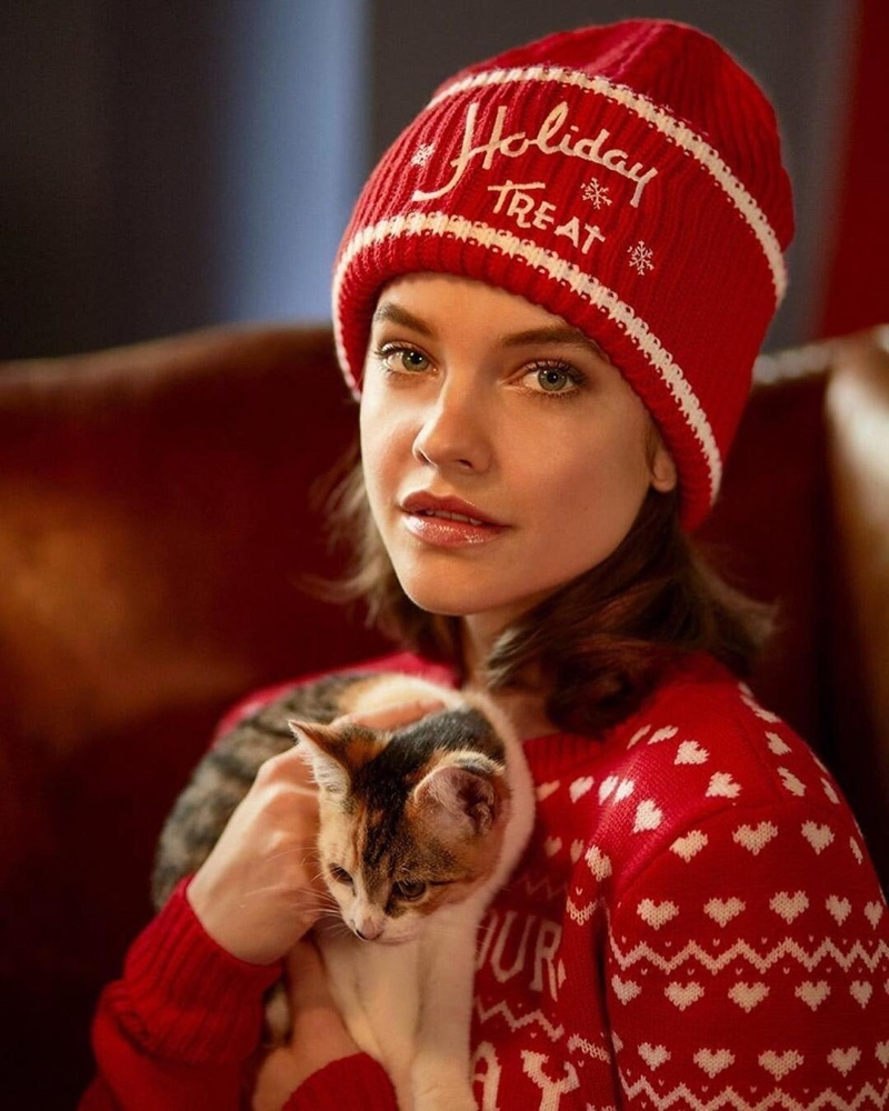 Looking ready for Christmas, Barbara Palvin fronts Philosophy di Lorenzo Serafini Holiday Treats sweater campaign