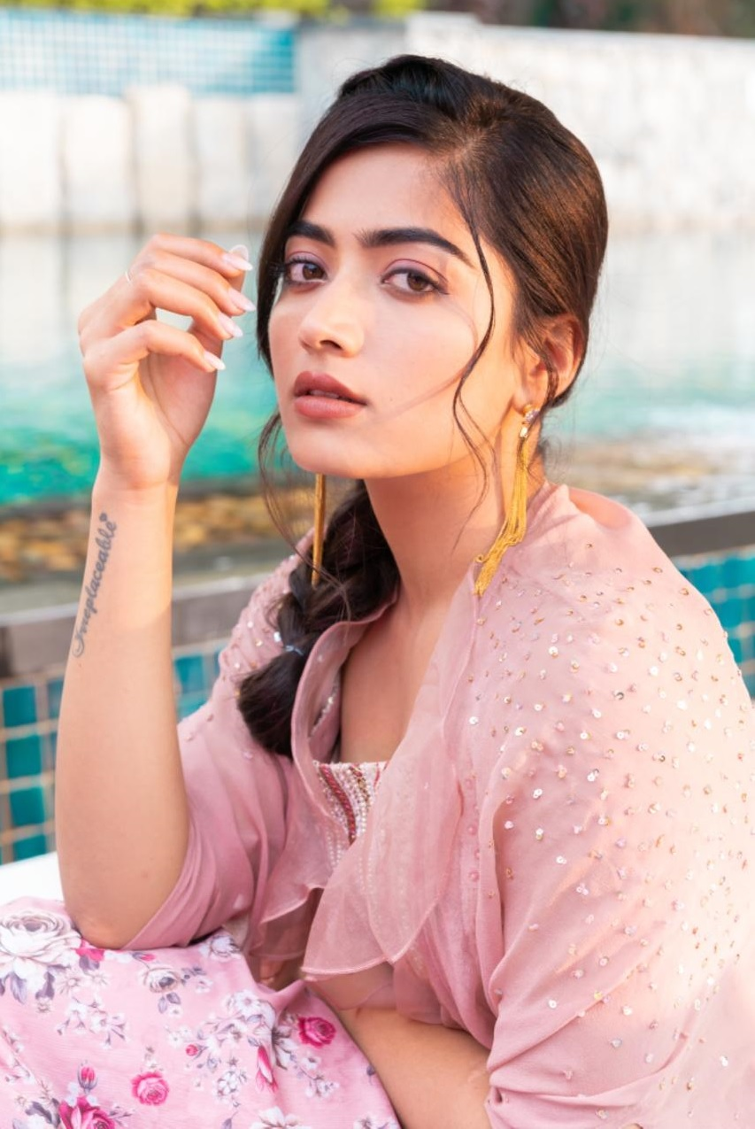 Rashmika Mandanna New Lovely Click