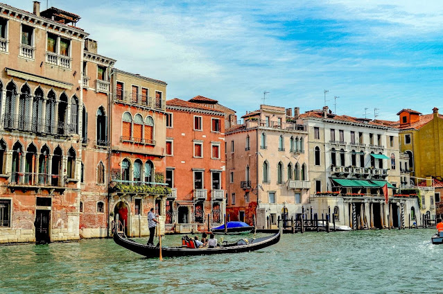 Travel Guide to Venice