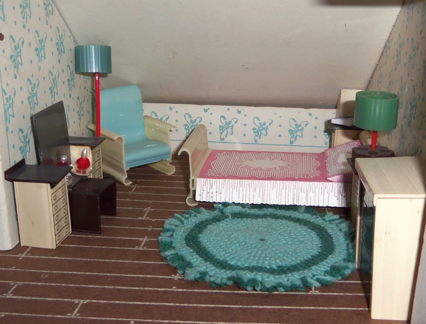 My Vintage Dollhouses: Ardee: plastic dollhouse furniture from 1946 ...