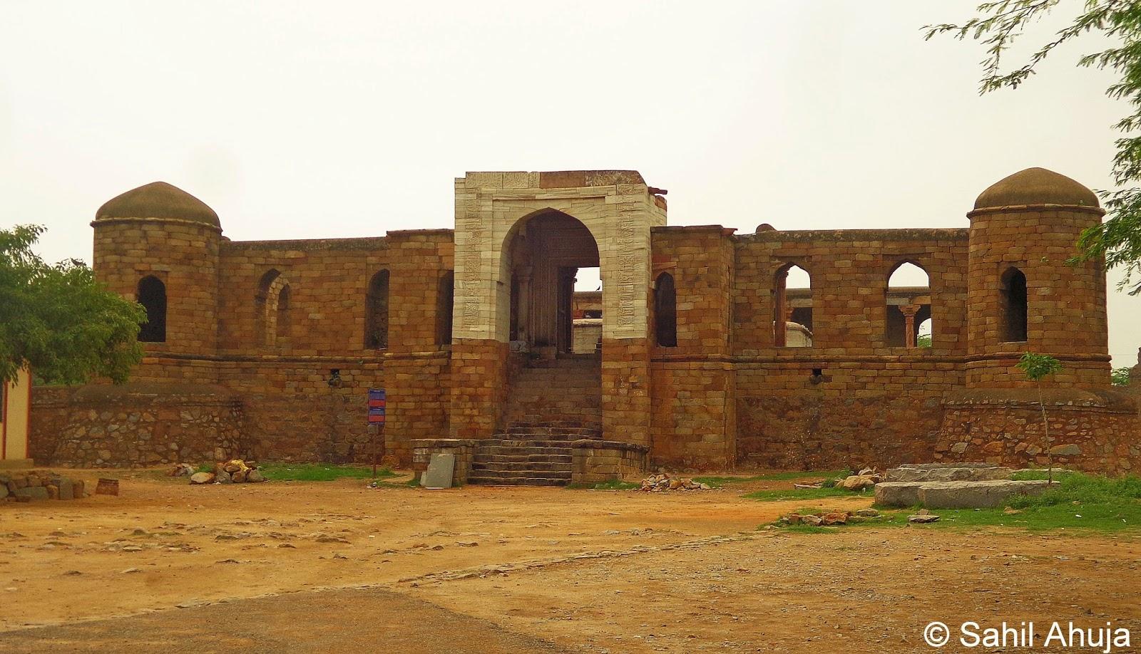 Pixelated Memories: Sultan Garhi, Vasant Kunj, Delhi