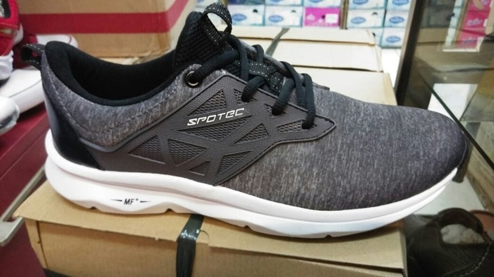 Review Sepatu Lari Spotec Running Liquid Persada Blog