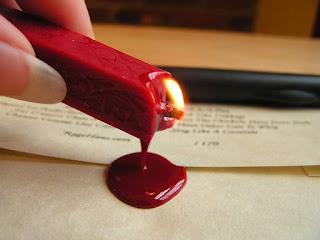 ماهو شمع الختم ؟ وماذا يعني الختم بالشمع الأحمر؟
