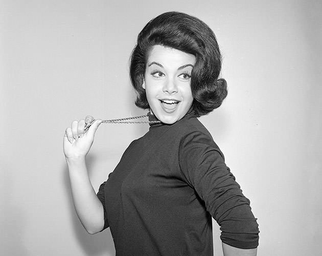 Famous Wallpapers For Girls Hot Bio Celebrity Pictures Annette Funicello Pictures