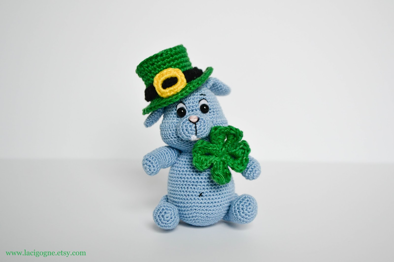 Free Amigurumi Leprechaun Pattern : La cigogne: st. patrick's day top hat free crochet pattern