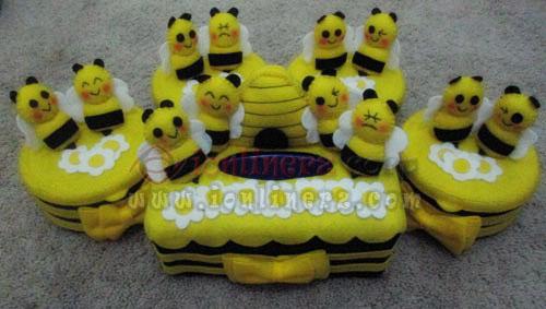 Jual Kotak / Sarung / Tempat Tisu, Toples Kue Flanel Set Karakter Kartun Lebah