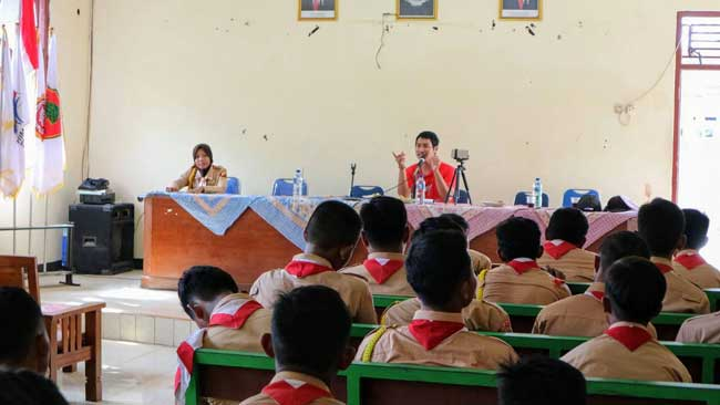 Workshop Fotografi Ponsel Saka Bhayangkara dan Tripod Keliling
