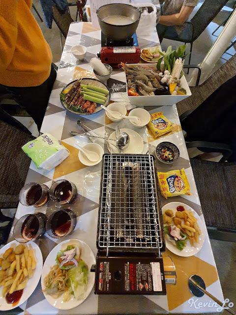 拉波波村營區漁夫火鍋及蔬菜烤肉串拼盤