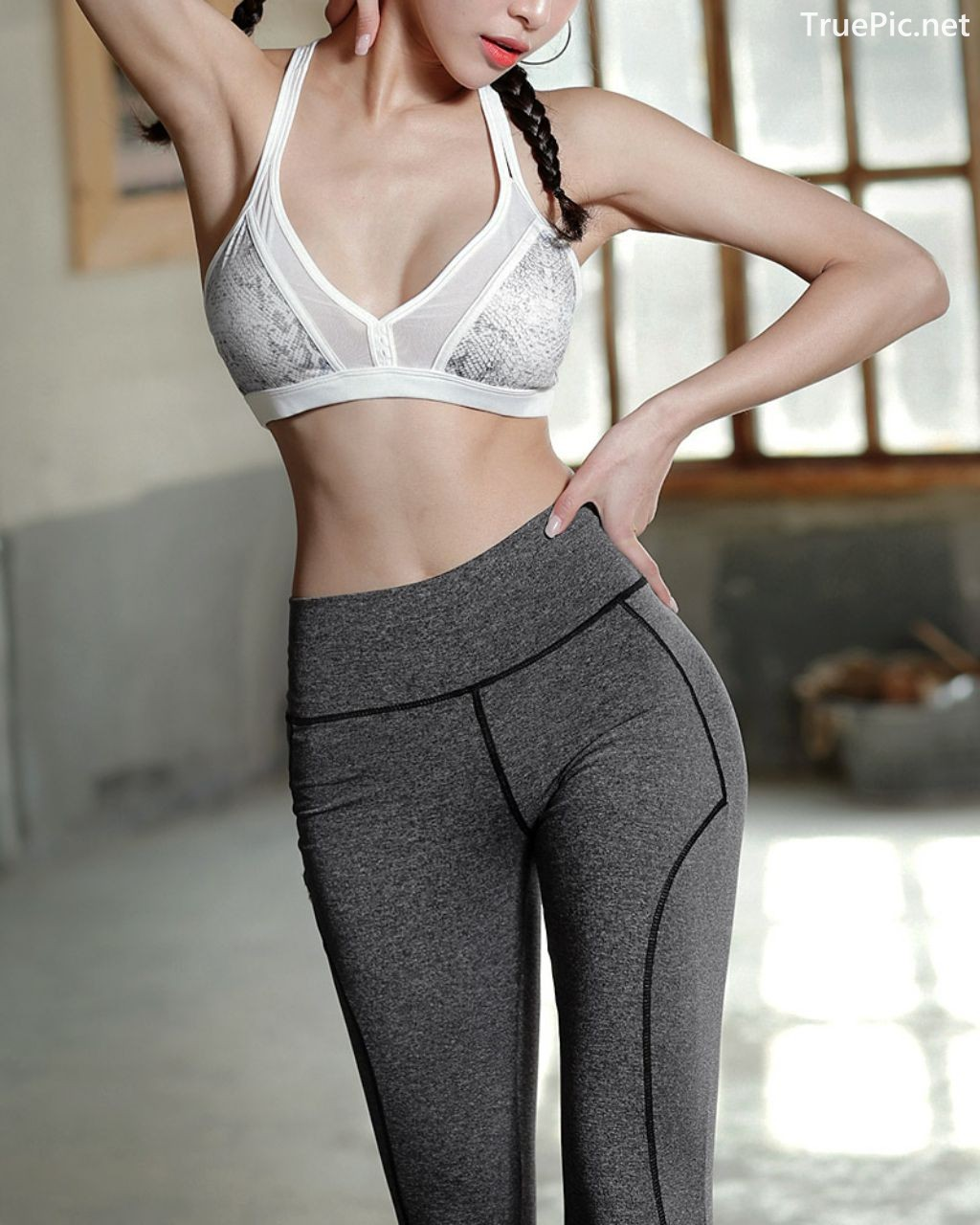 Image-Korean-Fashion-Model-Ju-Woo-Fitness-Set-Collection-TruePic.net- Picture-9