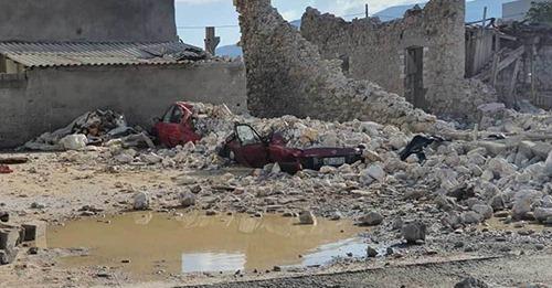 Στην επιστροφή από το σχολείο βρήκε ο θάνατος τα δύο παιδιά που καταπλακώθηκαν από τοιχοποιία στο Βαθύ της Σάμου.