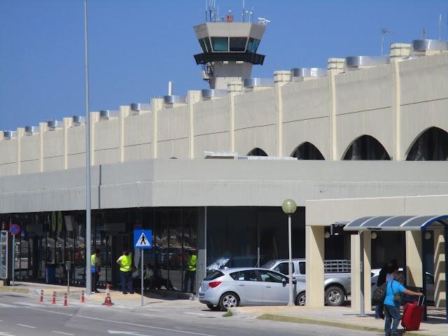 ΝΟΤΑΜ: Παρατείνονται οι περιορισμοί στις πτήσεις για τα νησιά