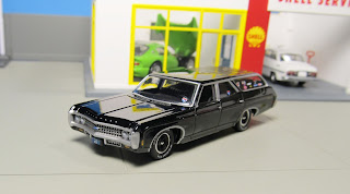 Auto World  Chevy Kingswood Estate black