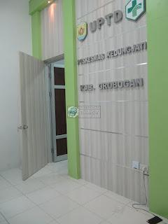 Furniture Interior Ruang Lobby Kantor - Meja Front Desk Granit - Furniture Kantor Semarang