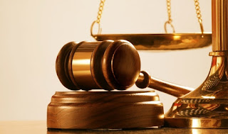 العراق :  قرار قضائي يشدد عقوبة نشر عبارات السب والقذف عبر موقع التواصل الاجتماعي (الفيس بوك)