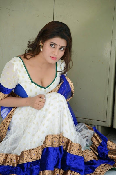 Actress Harini Navel