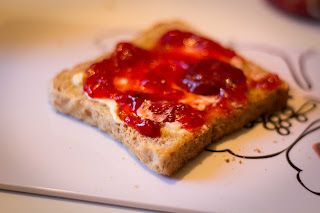 Leckeres Frühstück mit Fruttissima von Schwartau