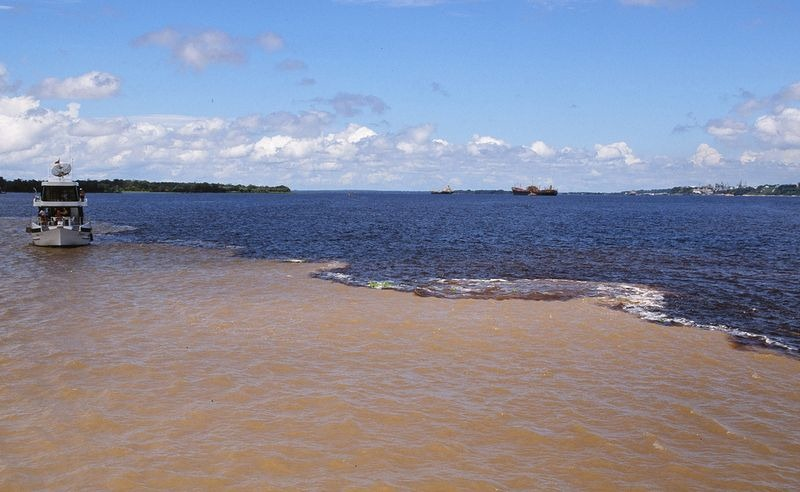 meeting of the waters brazil ,solimoes, solimoes river, black river, brazil, amazon rio negro, manaus meeting of the waters, meeting of the waters manaus, amazon river black river, encontro das aguas manaus