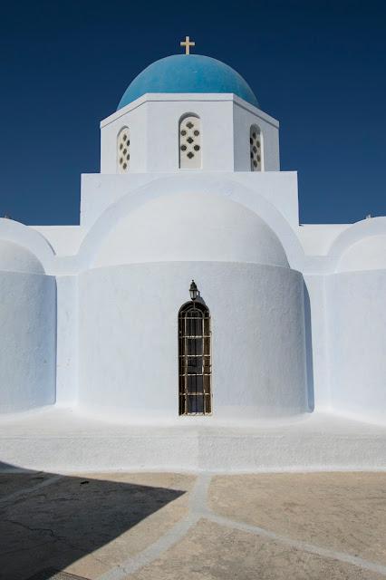 Chiesa a Pyrgos-Santorini