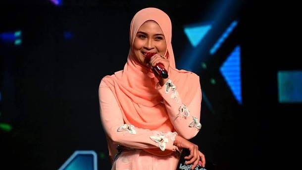 Biodata Siti Nordiana - Pelakon, Pengacara dan Penyanyi