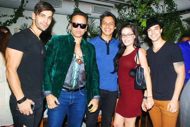 1. Swaraaj Kapoor with guests at Mirabella Lounge