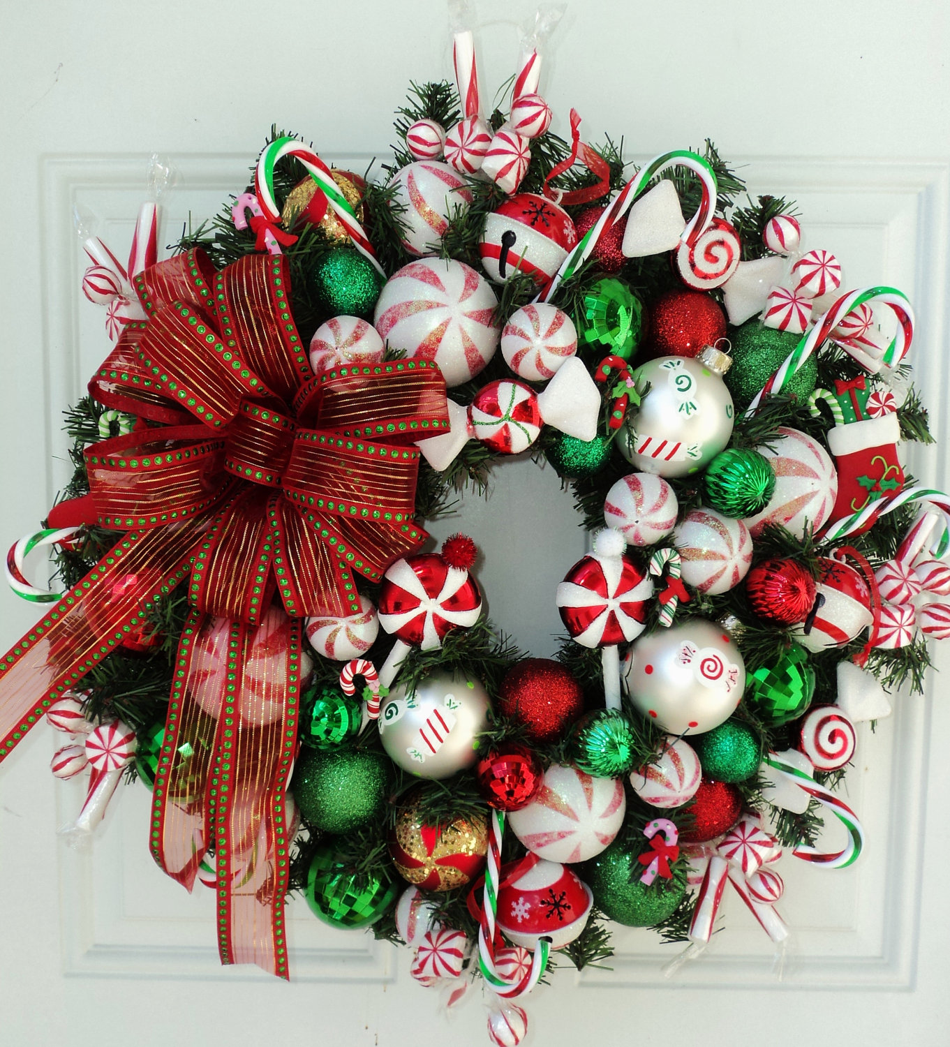 Canada floral delivery blog making a candy cane christmas wreath - Awesome christmas wreath with homemade style ...