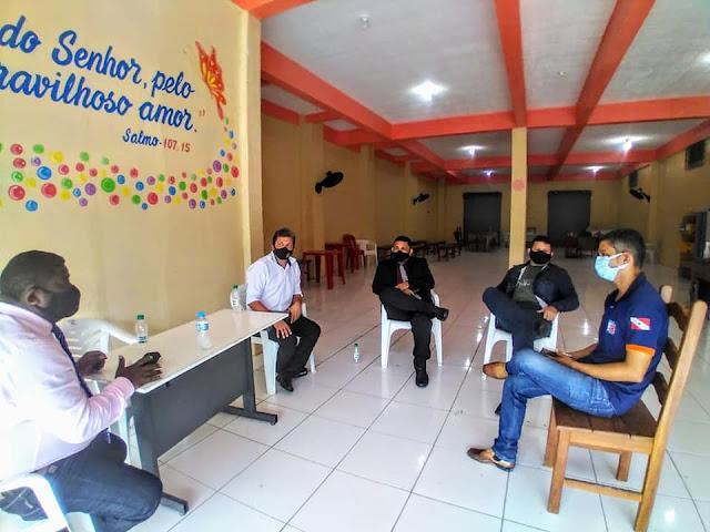 Comitiva liderada pelo presidente da câmara de Óbidos visita órgãos do poder executivo.