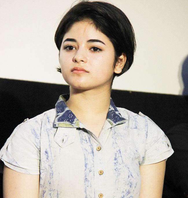 [Image: Zaira-Wasim-Dangal-Movie-Daughter-Photos-1.jpg]