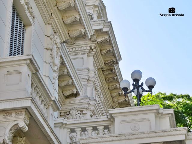 Palacete Violeta (terraço frontal - detalhes)