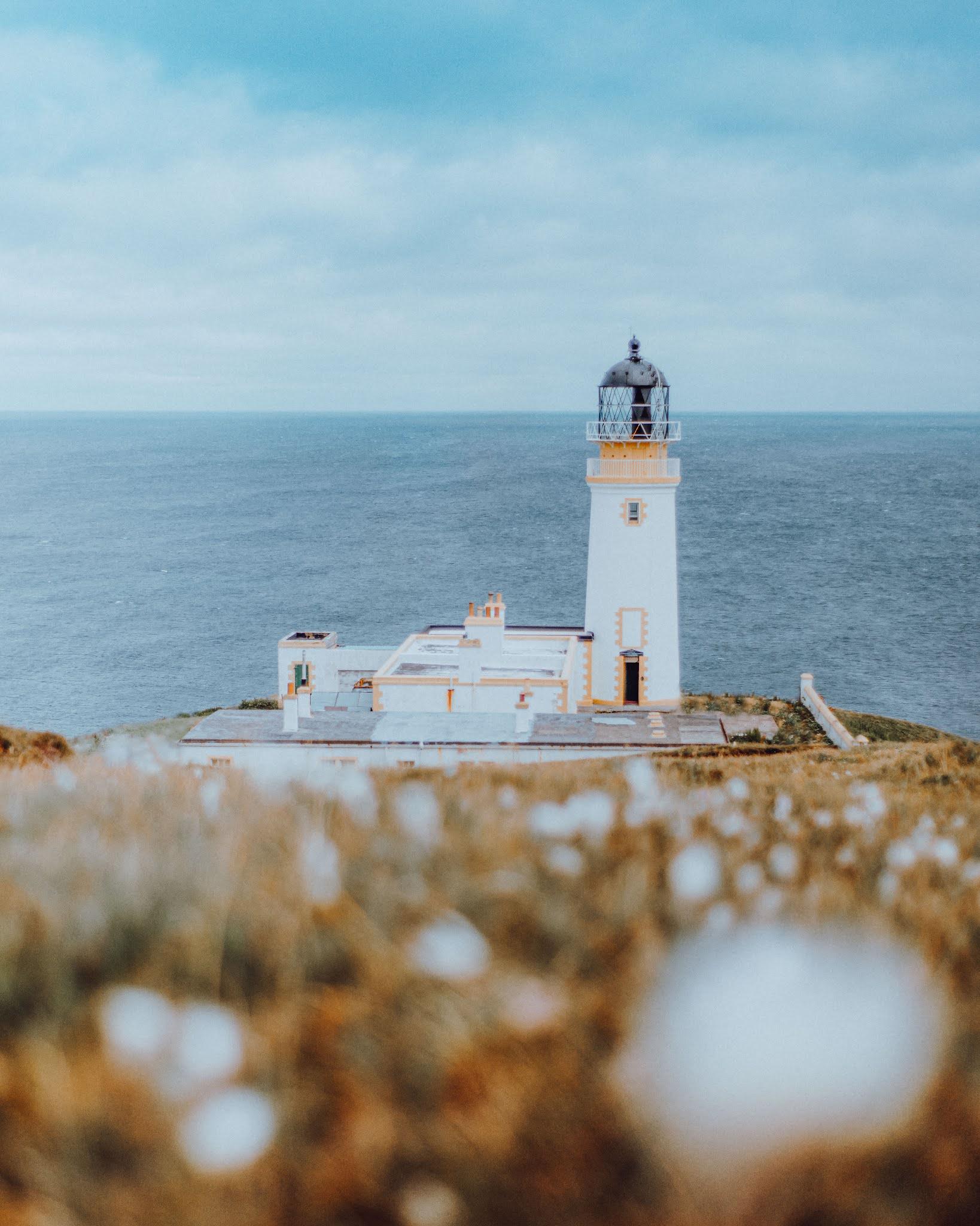 tiumpan head lighthouse isle of lewis harris liquid grain