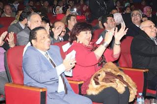 مهرجان الطبول الدولي يكرم المخرج د. عادل عبده في حفل ختامه