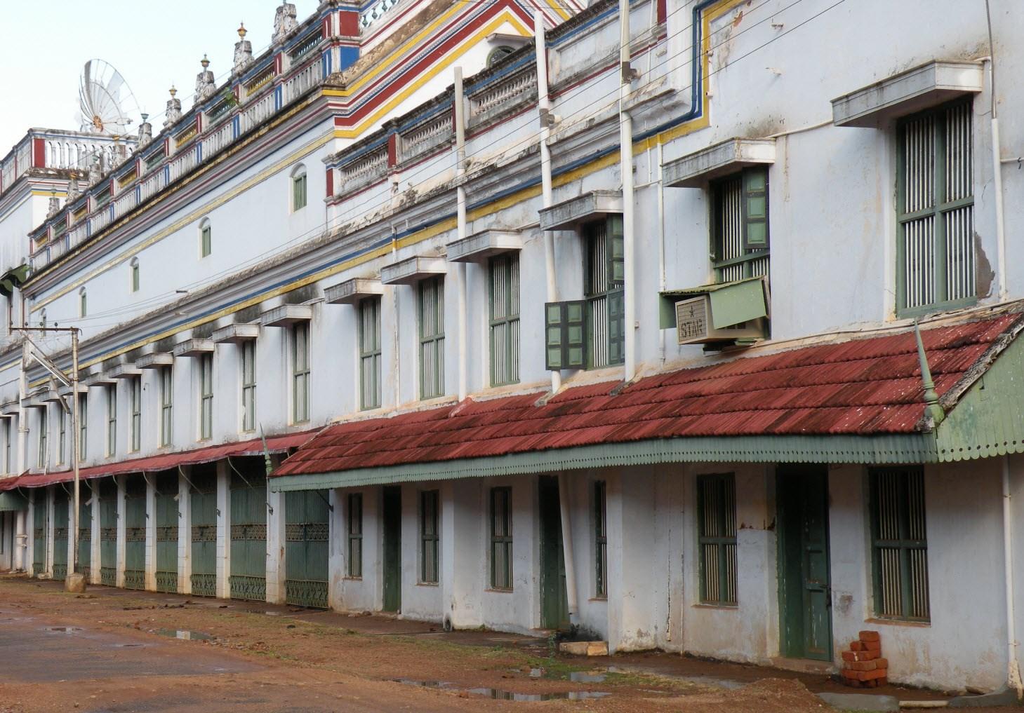 Tamilnadu Tourism: Chettiar Palace, Kanadukathan, Sivaganga