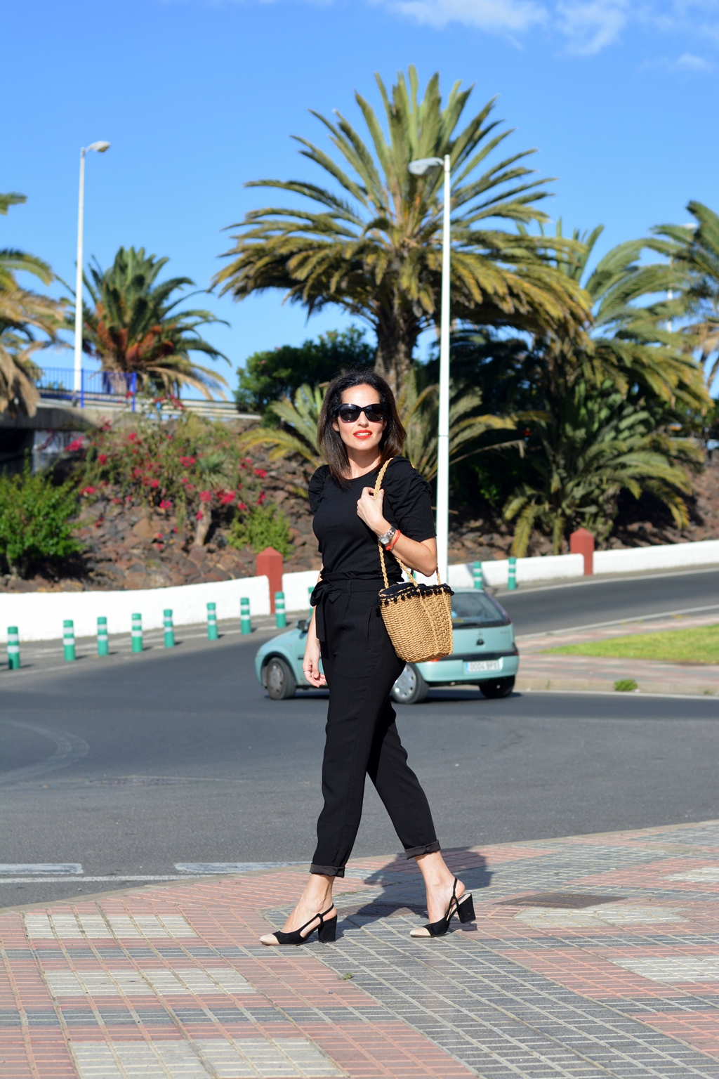 total-black-outfit-streetstyle-zara