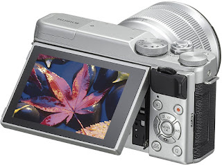 Fujifilm X-A10, вид сзади