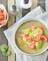 Sopa templada de hinojo con cangrejos de río